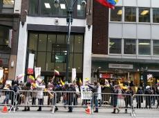 Colombianos protestan por maltrato del gobierno