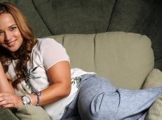 La presentadora y actriz Adamari López será la portavoz nacional de 'Rayo de esperanza: Manual de apoyo para enfrentar el cáncer de seno'