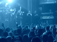 Ricky Martin se luce en el #UforiaLive concert!