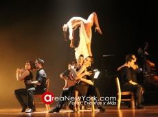 Un Show de Tango 'al mejor estilo de Broadway' disfrutando con los campeones mundiales de tango en Nueva York.